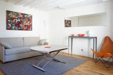 Studio à Paris ville - rue Bonaparte 75006 PARIS - 106006