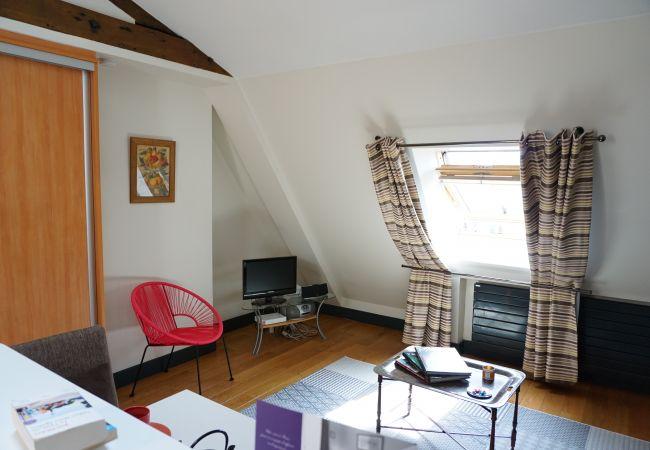 Studio à Paris ville - avenue de Messine 75008 PARIS - 108033