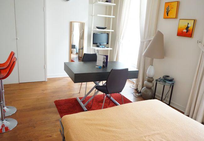 Studio à Paris ville - rue Villehardouin 75003 PARIS - 103001