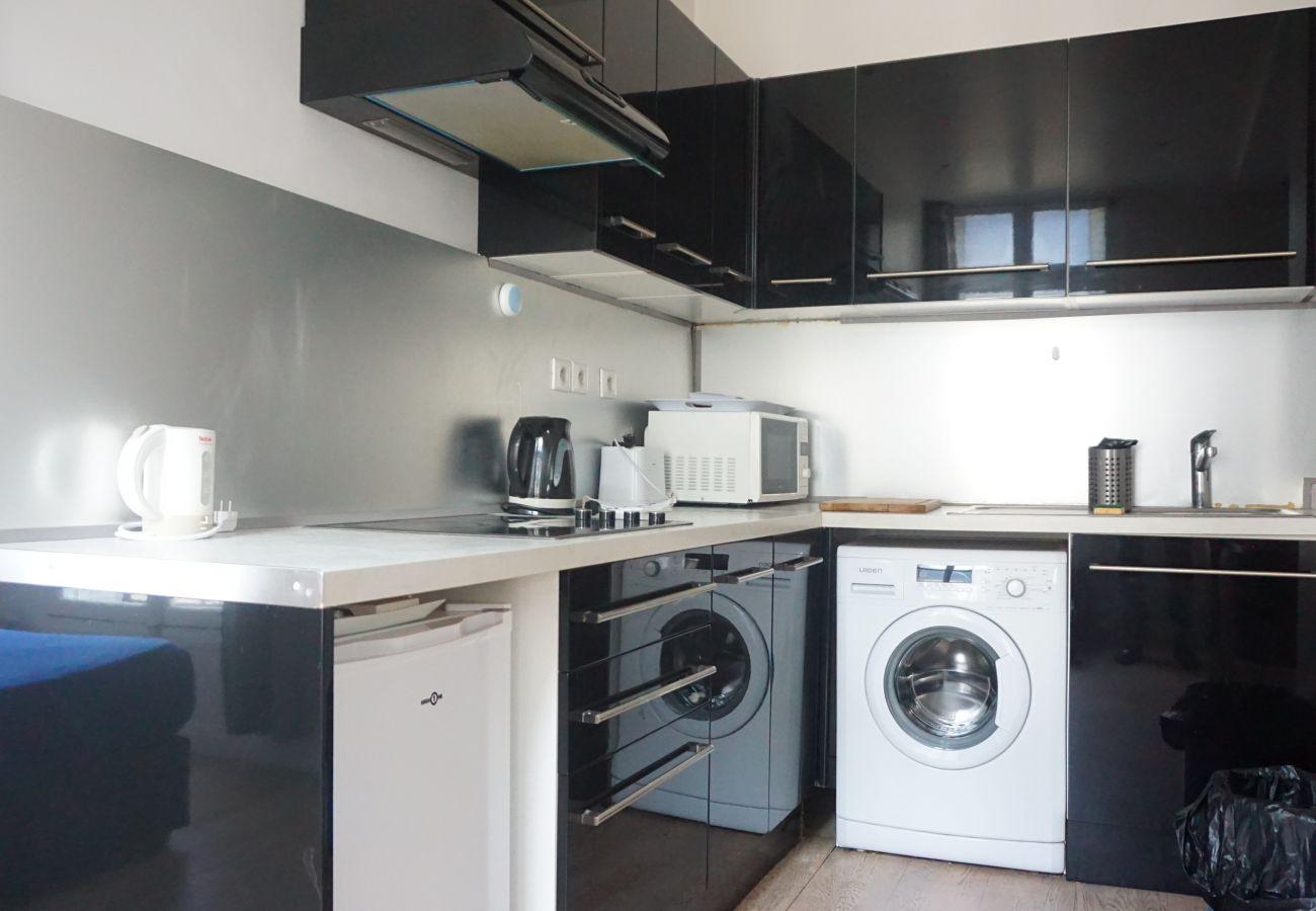 Appartement à Paris - Avenue des Champs Elysées - Paris 8 - 208059