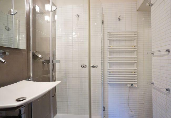 Appartement à Paris - rue de Grenelle 75007 PARIS - 207018