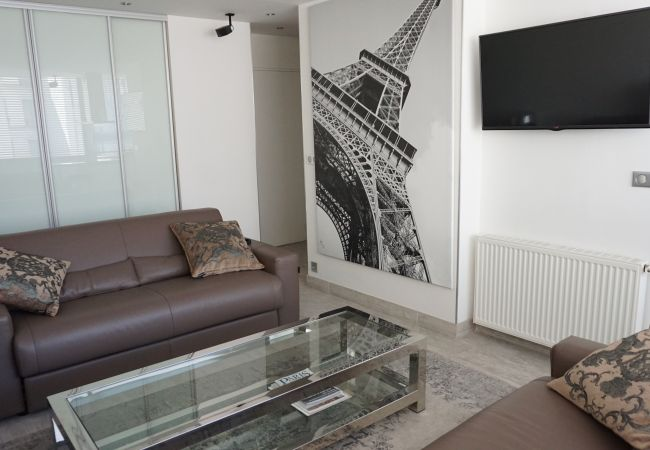 Studio à Paris - rue du Faubourg Saint-Honoré 75008 Paris - 108043