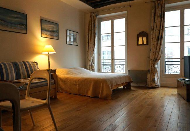 Studio à Paris ville - rue Godot de Mauroy 75009 Paris - 109003