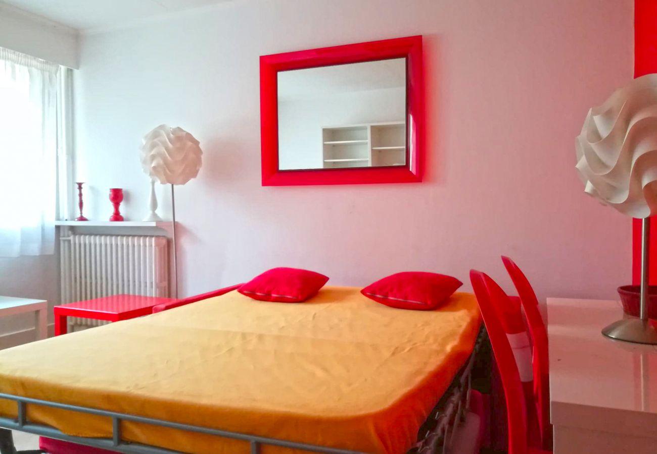 Appartement à Paris - Rue Saint Charles - Paris 15 - 115005