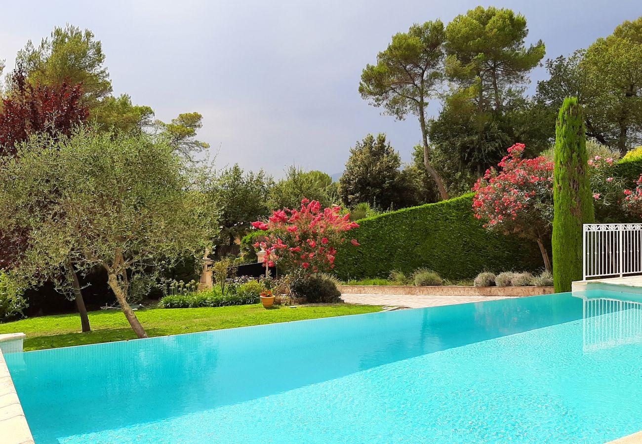 Villa à Roquefort-les-Pins - Lily of the Valley Villa near St Paul de Vence