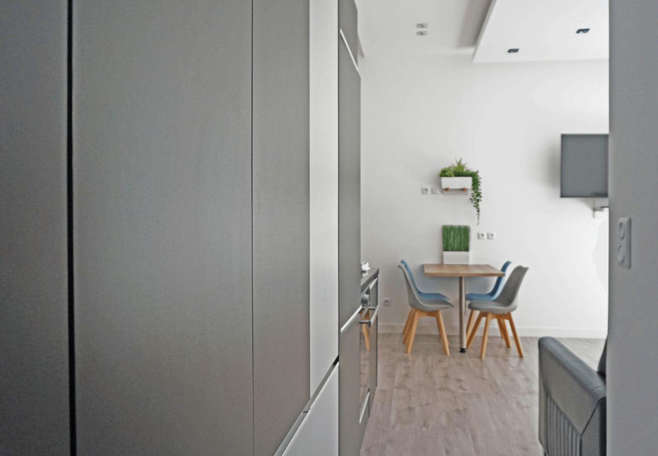 Appartement à Paris - Avenue des Champs Elysées - Paris 8 - 108003