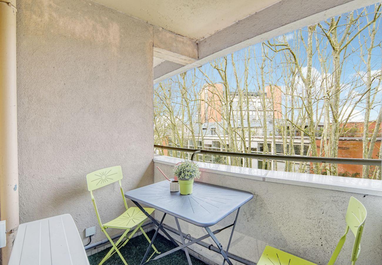 Appartement à Toulouse - PARC LONGAUD Parking Terrasse