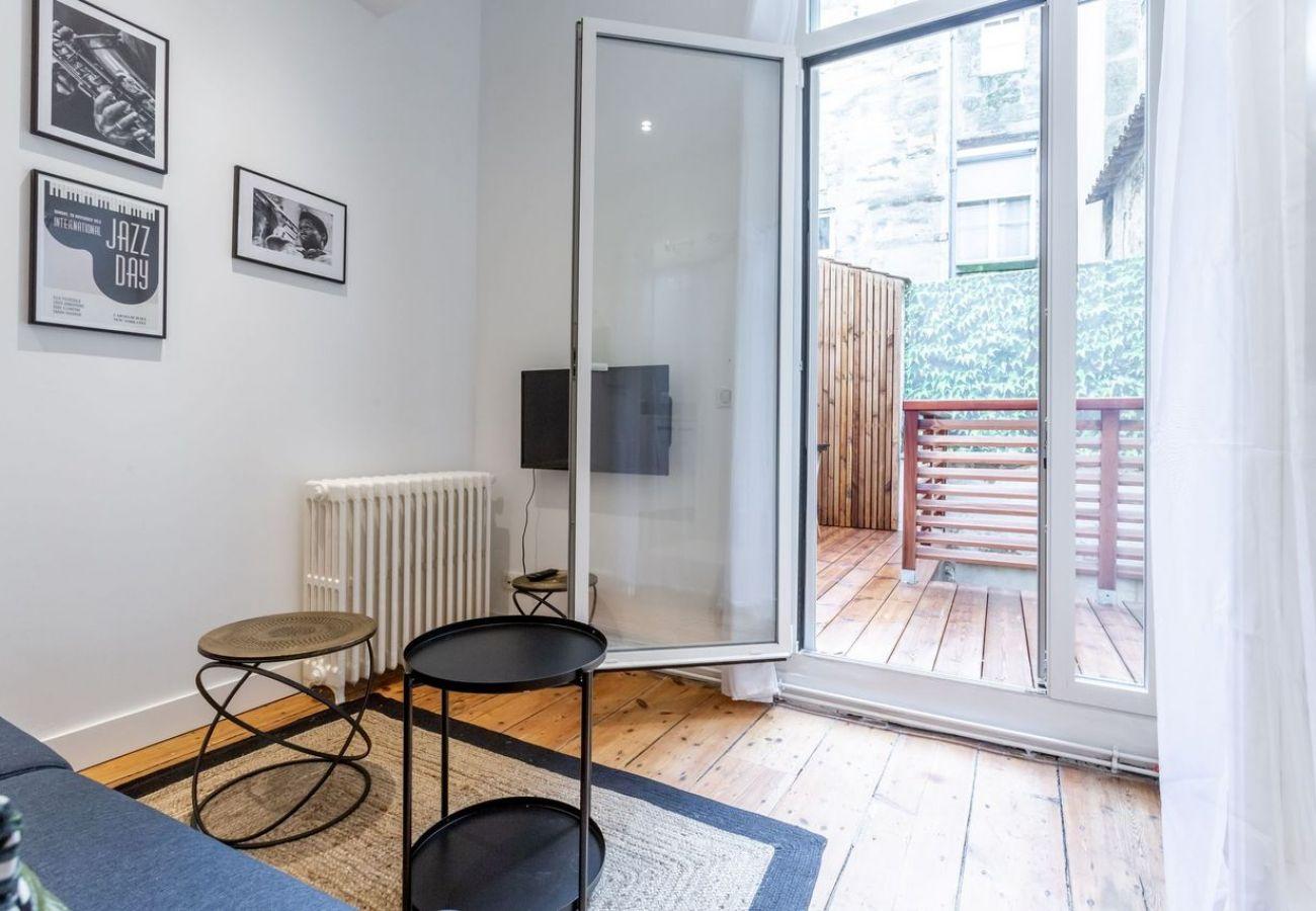 Studio à Bordeaux - BDX- JAZZ PAUL LOUIS LANDE Hypercentre Balcon